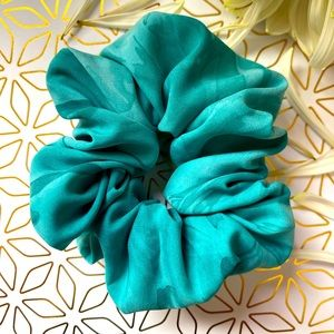 Scrunchies Simple ties to beat the heat